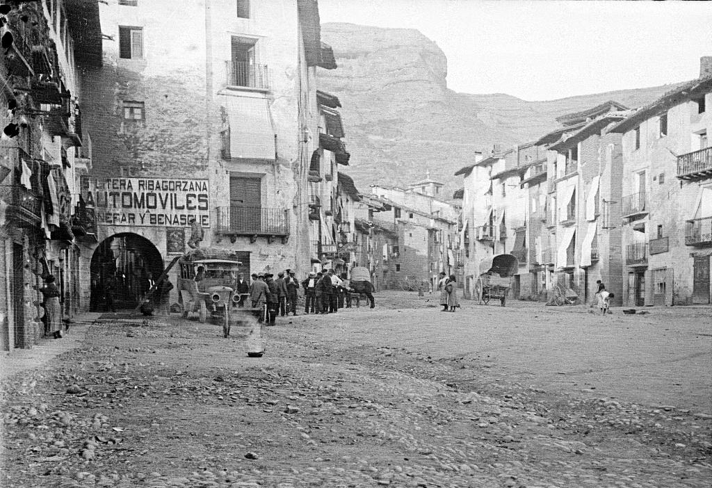 Salida de autobus. Ca. 1909. comunicaciones